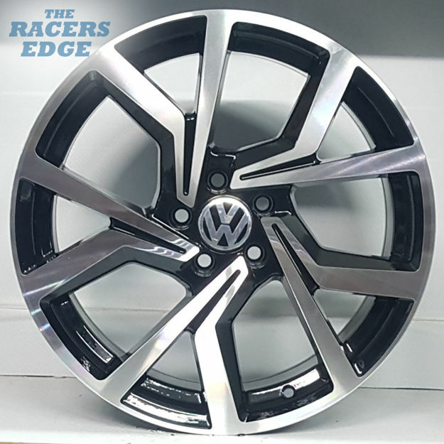 Picture of 17 inch Golf 7.5 Clubsport Reps - 5x100 - Black